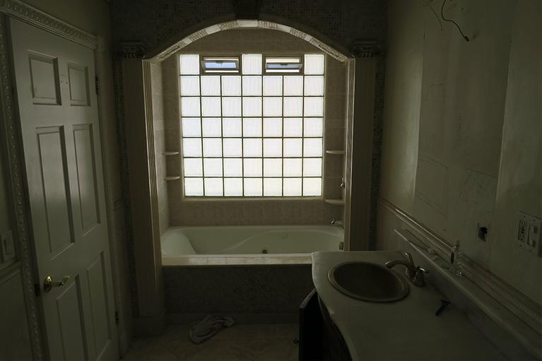 Agoura_Bath_master_Before_511